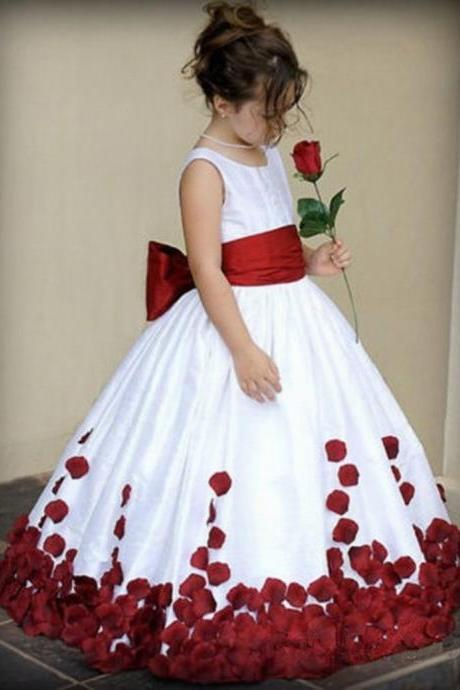 Round Neck Ball Gown Flower Girl Dress with Petals