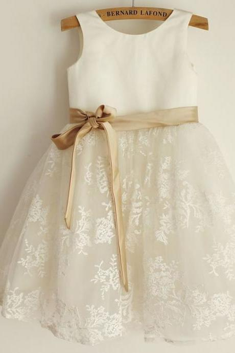 Tea-Length Lace Flower Girl Dresses With Bowknot