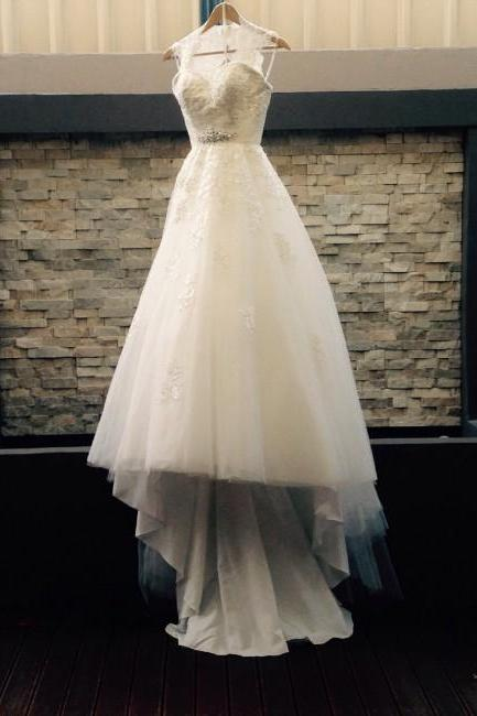 Sleeveless Wedding Dress with Attachable Lace Shawl