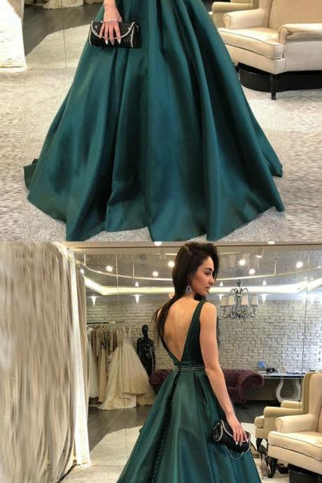 Sleeveless Jewel Neck Emerald Green Prom Dress